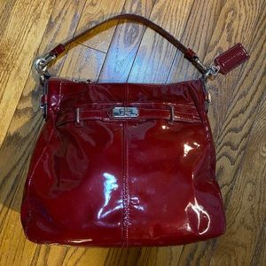 Coach Chelsea Ashley Patent Leather Hobo Purse 😍